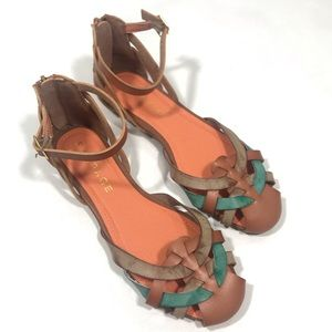 NWOT RAMPAGE SADINE Woven Brown Sandals Flats